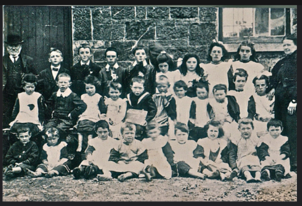 Clondoyle NS pupils & teachers  1910
