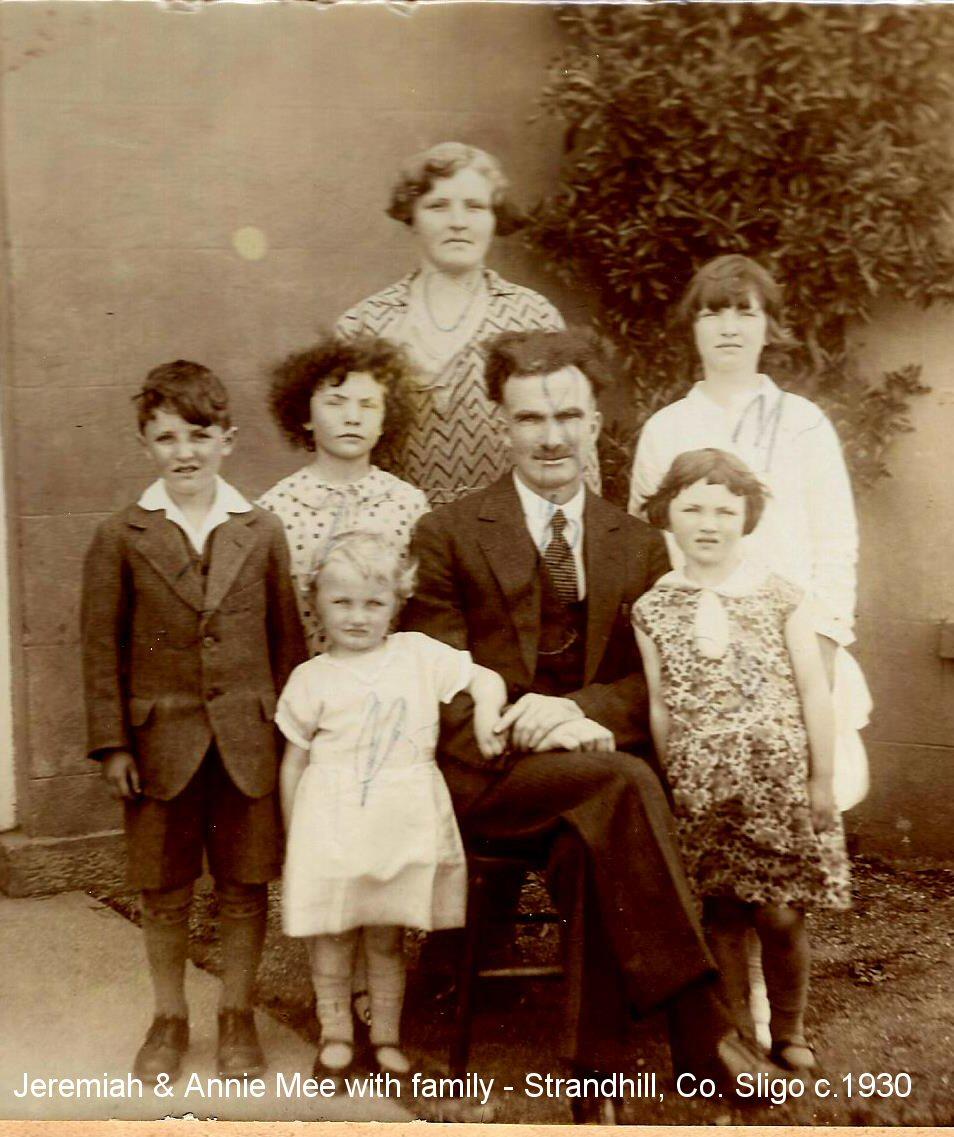 Jeremiah & Annie Mee & Family-Strandhill_c1930-31.