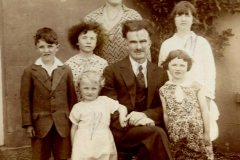 Jeremiah & Annie Mee & Family-Strandhill_c1930-31.