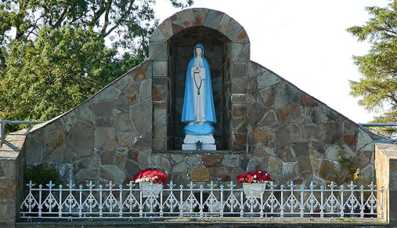 Marian Shrine, Cashel Cross